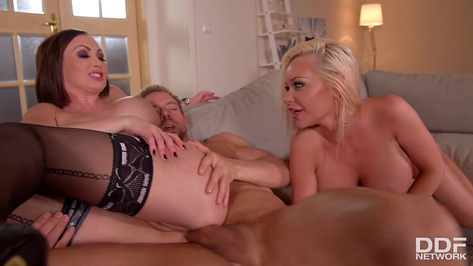 Yasmin Scott – Rachele Richey – Wanton Babes Want Cock in Ass And Pussy