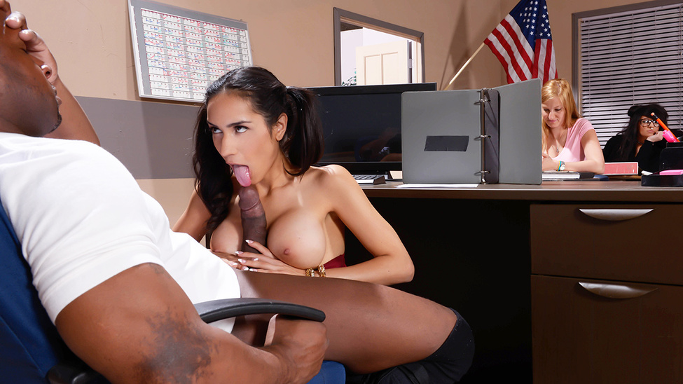 Tia Cyrus – My Phys Ed Teacher Fucked My Tits