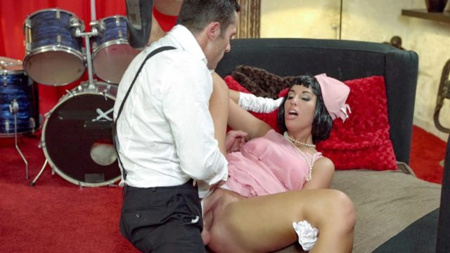 Jenette – Seductive Hungarian pinup babe Jenette eats cum in hot fuck with musician
