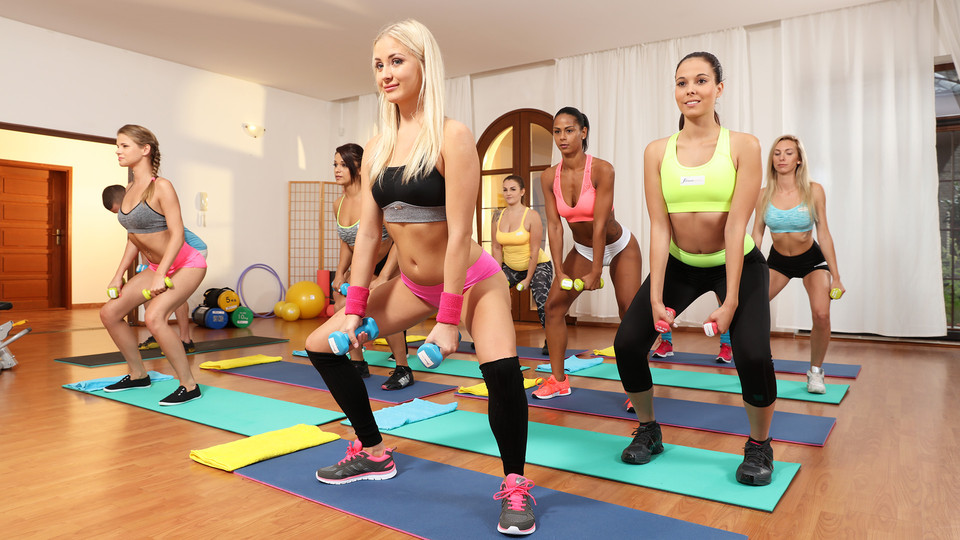 Cayla Lyons – Sarah Kay – Threesome With Young Gym Babes