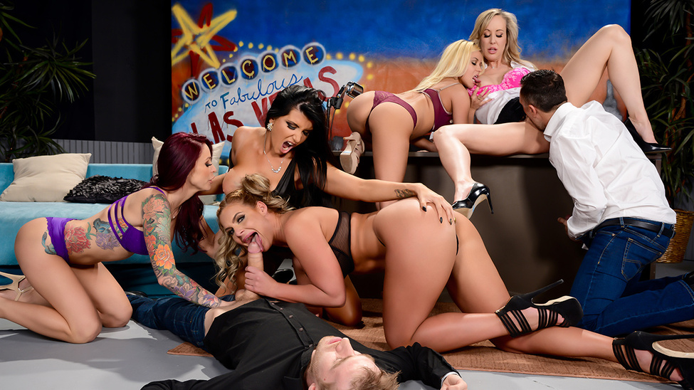 Phoenix Marie – Monique Alexander – The Late Night Orgy