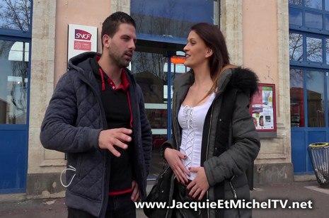 HD Porn La première sodomie de Lola au Cap d'Agde – JacquieEtMichelTV