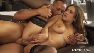 Mina gives herself up to pleasure – Mina Sauvage