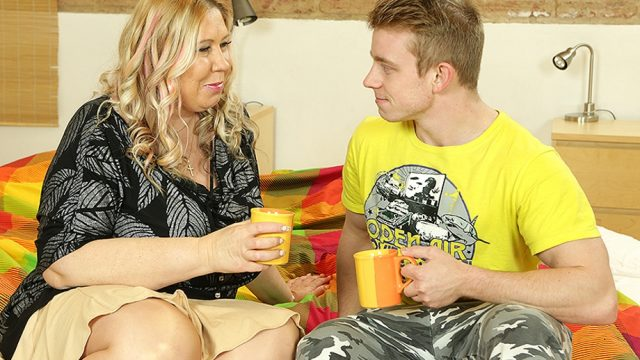 Big breasted housewife Bartina doing her toyboy – Bartina