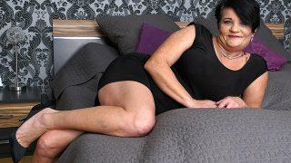 Kinky mature Freya doing her toyboy – Freya