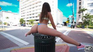 Public Fun In The Sun – Kelsi Monroe