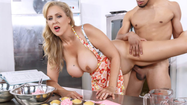 Glazed and Cumfused – Julia Ann
